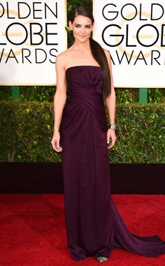 Katie Holmes' Marchesa look is sexy and sophisticated. That color is perfect with her dark 'do!