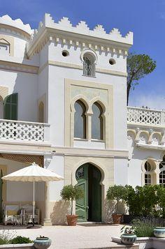 Hotels in France (Europe) Neoclassical Architecture, Islamic Architecture, Architecture Design, Bungalow House Design, House Front Design, Habitat Collectif, Hotels In France, Classic House Design, Villa Design