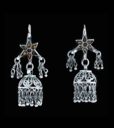 India - Lucknow | Pair of silver and glass earrings. ca. mid 20th century | 120£