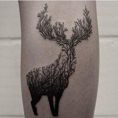 Vous êtes une fan de nature et d'animaux ? Voici 30 idées de tatouages vraiment canons en l'honneur de la faune. Focus : tatouage cerf.
