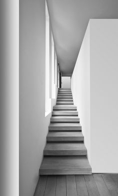 """Pattern 195: STAIRS VOLUME___Every staircase occupies a volume, two stories high. (...) It may be straight, L-shaped, U-shaped, or C-shaped. (...) Do not assume that all stairs have to have the """"standard"""" angle of 30 degrees. (...) As you work out the exact slope of your stair, bear in mind the relationship: riser + tread = 17.5 inches.___from A Pattern Language"""