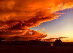 Reposting @awesome_photos_ever: Thanks to @jh_photografie_ 🌇🌆🌞☁🌁🌀⛅ #atardecer #sunset #naranjo #naranja #azul #celeste #nature #naturaleza #amarillo #skyblue #sky #sombras #nubes #clouds #mezcladecolores #ciudad #detalles #colors #mezcladecolores #siguemeytesigodevuelta #siguemeytesigo #likeforlike #likeforfollow #l4l #megusta #followme #followmeandifollowyouback
