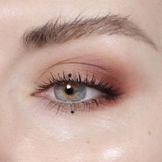 Dot eyeliner is super discreet yet unexpected   http://www.hercampus.com/school/davidson/7-makeup-trends-youve-gotta-try-spring