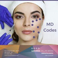 Com o envelhecimento, o rosto sofre alterações em função das perdas óssea, de musculatura e gordura. O MD Codes é uma técnica que promove o rejuvenescimento e a harmonização facial, a partir do preenchimento de pontos (códigos) específicos do rosto, definidos com base no mapeamento da estrutura da face. O efeito tem duração de um ano e meio, aproximadamente. Aesthetic Dermatology, Facial Fillers, Pretty Face, Coding, Base, Beauty, Beauty Tricks, Coming Of Age, Make Up