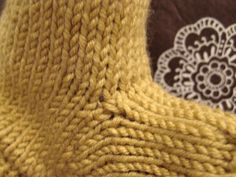 futuregirl craft blog : Mustard Gloves - Tricks For Picking Up Stitches