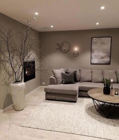 42 brilliant solution small apartment living room decor ideas and remodel 28 Living Room Color, Room Interior, Small Apartment Living, Home Decor, Small Apartment Living Room, Classy Living Room, Living Room Grey, Living Room Decor Modern, First Apartment Decorating