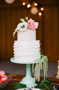 Peach and Blackberry wedding inspiration | Photo by oney Bee Photography | Read more - http://www.100layercake.com/blog/?p=79175