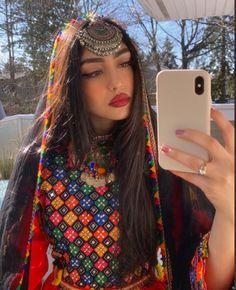 Afghani Clothes, Coffee Hair, Bad Girl Quotes, Afghan Girl, Afghan Dresses, Luxury Girl, Moroccan Dress, Brown Girl, Girls Makeup