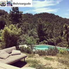 Gracias por hacer estas maravillosas fotos  @silvioargudo con esta foto nos enseña la piscina y la frondosidad de entorno :)  #Naturaleza #hotelviews #travel #viaje #viatge #travelling #instatravel #Spain #España #Aragón #Teruel #Matarranya #instanature #nature #hotel #hotelrural #summer #ignature #instanature #mountain #naturelovers  #naturephotography #photos #traveling #traveler