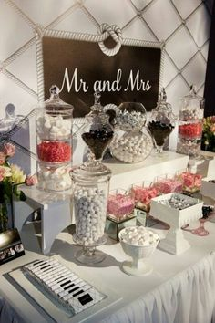 25 Candy Bar Ideas For Your Wedding21