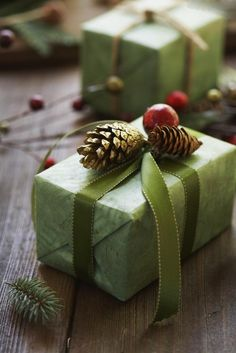 4seasons-blog:  Christmas wrapping (via Pinterest)