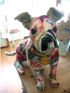 Scraps Textile animals. I totally want one... OR can I make one? I doubt mine would even look like a dog. :)