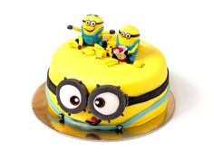 Minions, Bar, Desserts, Food, Tailgate Desserts, Deserts, The Minions, Eten, Postres