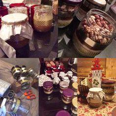 Cadeaux de Noël fait maison ❄️🎄   Gommage à la fleur d'oranger, sucre vanillé et huile de coco 🍊  Kit brownie aux pépites de chocolat, noix de pécan, noix et noisettes 🍩  Rose des sables au crousty 🍫  Kit de plantes de cuisine à faire pousser 🌿  Un bougeoir 🕯