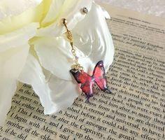 蝶とリボンのイヤリング〔片耳用〕*red☆ピアスへの変更可
