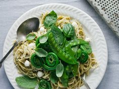 christelle is flabbergasting | Fiddlehead and pea pasta with pesto for La Presse