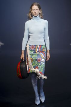 Balenciaga Spring 2018 Ready-to-Wear  Fashion Show - Maria Zakrzewska