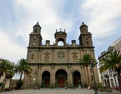 Catedral de Santa Ana front view