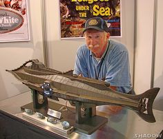 Nautilus model on display. Nautilus Submarine, Fairy Tale Images, Walt Disney Co, Leagues Under The Sea, Space Toys, Boat Art, Model Hobbies, Science Fiction Art, Movie Props