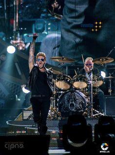 Adam Lambert and Roger Taylor - QAL tour