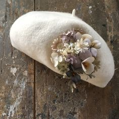 にぎやかな花束。   suMire-bouquet布花コサージュ Textile Jewelry, Cute Hats, Felt Hat, Deco, Fashion History, Corsage, Fabric Flowers, Flower Art, Textiles
