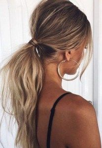 Grown up ponytail http://rnbjunkiex.tumblr.com/post/157432256917/beautiful-short-hairstyles-for-oval-faces-short