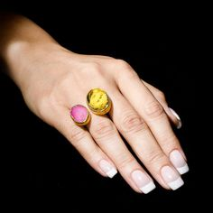 A gorgeous two stone ring with pink agate and by KastoniJewels