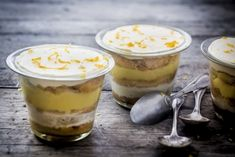 7 easy and revisited tiramisu recipes: you will love it! 7 easy and revisited tiramisu recipes: you will … - Lombn Sites Lemon Tiramisu, Tiramisu Trifle, Easy Tiramisu Recipe, Easy Healthy Recipes, Easy Meals, Mousse, Dessert Aux Fruits, Cold Desserts, Jars