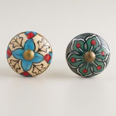 Bring a touch of nature into a room with our Green and Ivory Geometric Ceramic Knobs. Handcrafted of ceramic, these knobs from India feature a gorgeous floral design that'll add well-traveled style to your nightstand or dresser drawers.