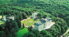 € 265 Chateau D'Artigny is an 18th century-style castle in the heart of the Loire Valley, 9 miles from Tours.