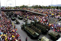 Con desfile de las Fuerzas Armadas, #Colombia conmemoró sus 204 años de independencia.