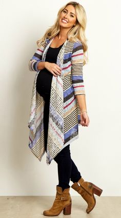 This striped knit maternity cardigan is the perfect winter essential with a soft knit material and long sleeves.