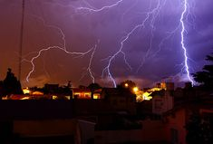 How to Photograph a Thunderstorm