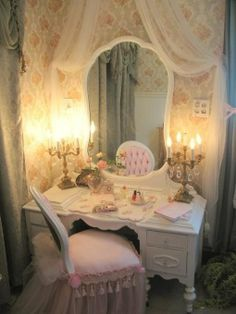 Vintage Shabby Chic Vanity Room, This is a tiny. vanity room where I can dress, do hair and makeup Romantic Shabby Chic, Shabby Chic Mode, Shabby Chic Vintage, Shabby Chic Vanity, Estilo Shabby Chic, Shabby Chic Bedrooms, Shabby Chic Style, Shabby Chic Furniture, Shabby Chic Decor