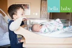 Bella Baby Photography, Photographer: Sarah Holbert, #newborn #hospital #lifestyle #sibling