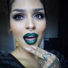 Stop What You're Doing And Go Stalk These Incredibly Beautiful Makeup Artists