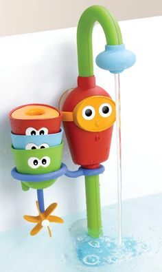 GENIUS!! Flow 'N' Fill Spout bath toy : sucks up water from the tub for continuous water stream w/out wasting water