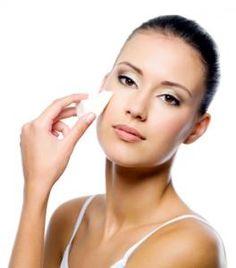 Foundation for Rosacea – Makeup is art Makeup Tips For Dry Skin, Makeup Tips To Look Younger, Makeup 101, Basic Makeup, How To Apply Makeup, Makeup Geek, Applying Makeup, Diy Makeup, Makeup Basics