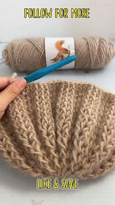 Bonnet Crochet, Easy Crochet Hat, Crochet Gloves Pattern, Crochet Cord, Crochet Square Patterns, Easy Crochet Stitches, Simple Crochet, Easy Crochet Projects, Crochet Videos