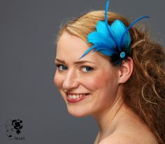 Fascinator in Türkistönen