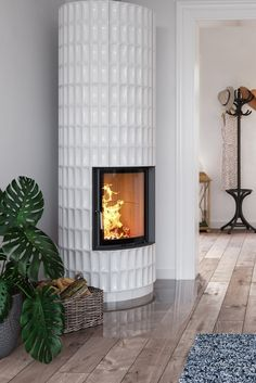 Modern Wood Burning Stoves, Interior Architecture, Interior Design, Rocket Stoves, Fixer Upper, My House, Building A House, Cool Designs, Sweet Home