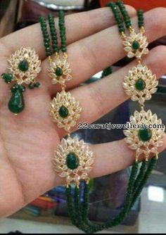 How Sell Gold Jewelry Product Real Gold Jewelry, Gold Jewellery Design, Emerald Jewelry, Stone Jewelry, Bead Jewellery, Carat Gold, 18k Gold, Jewelry Sets, Stylish Jewelry