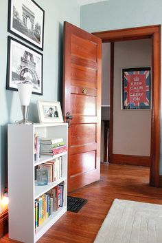 Great paint color ideas for a home with dark wood trim. | best stuff