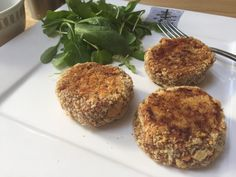 Corned beef rissoles are big in Wales - we love them! Here is our fool proof recipe for tasty corned beef rissoles with sweet potatoes Potato Recipes, My Recipes, Rissoles Recipe, Corned Beef Recipes, Beef And Potatoes, Eat Smart, Recipe Please, Fish And Chips, Baked Beans