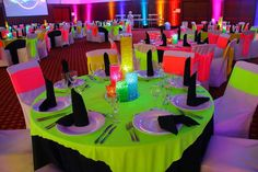 Polite described quinceanera party decor You might consider Birthday Party For Teens, Birthday Party Themes, Neon Party Themes, Neon Birthday Cakes, Glow Party Decorations, Glow In Dark Party, Blacklight Party, Quinceanera Party, Deco Table