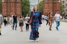 Ahead of tonight's season three premiere, Killing Eve costume designer Sam Perry gives Vogue the exclusive details on Villanelle's brand new look. Christian Lacroix, Eve Costume, Costumes, Burberry, Gucci, Fast Fashion, Isabel Marant, Balenciaga, Alexander Mcqueen