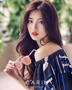 Suzy is pretty in shades for glasses brand 'Carin'!The photoshoot used white and blue colors for a perfect, summery theme. Suzy looks both cool and se… Bae Suzy, Korean Beauty, Asian Beauty, Beautiful Girl Wallpaper, Miss A Suzy, Korean Celebrities, Beautiful Asian Women, Korean Actresses, Ulzzang Girl
