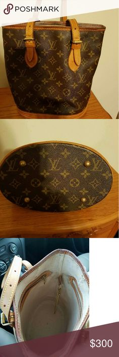 TODAY $275Authentic Louis Vuitton Small Bucket Louis Vuitton small bucket comes with dust bag, straps are in good condition Louis Vuitton Bags Totes