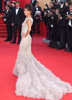 eva longoria at canne in a marchesa gown.  seriously gorgeous!