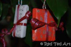 presents ornaments